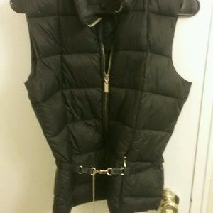 Puffer Jacket Vest with gold dogleash chain
